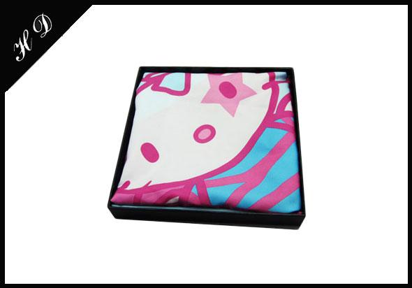 围巾高档包装盒定制设计图