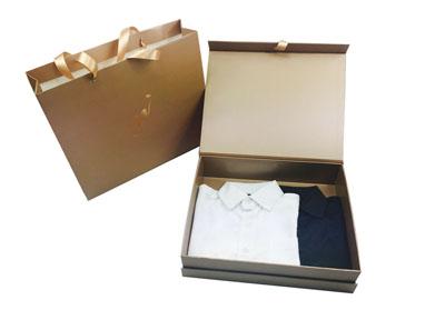 高档品牌服饰手提袋礼盒定制